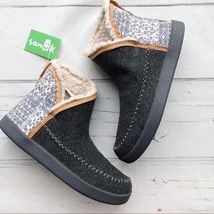 Sanuk womens ankle booties wool